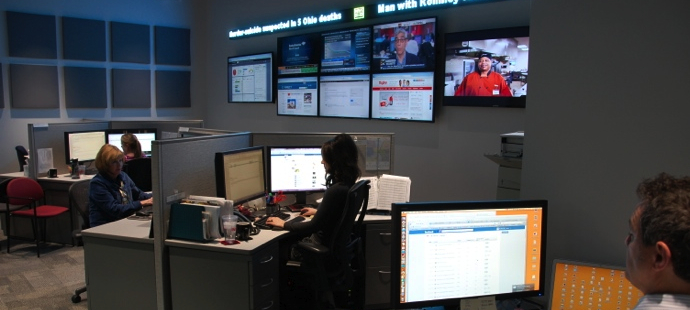 hyvee social media command center